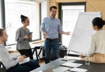 7 Effective Communication Skills To Excel In The Business