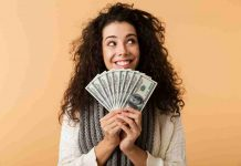 8 Powerful Ways To Make Extra Money Without Quitting Job